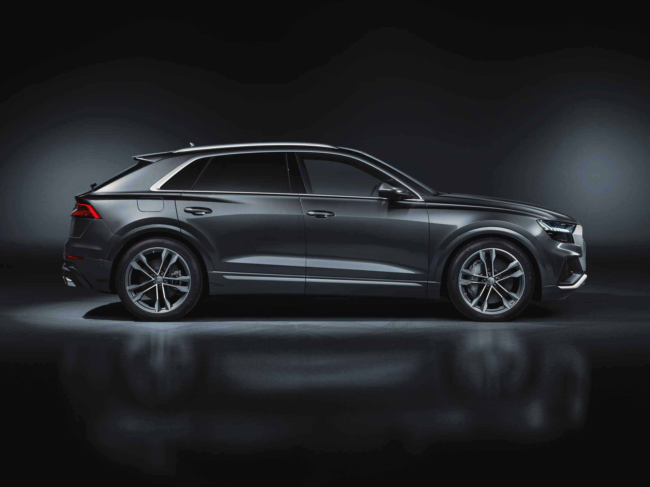 Audi SQ8 TDI: lateral