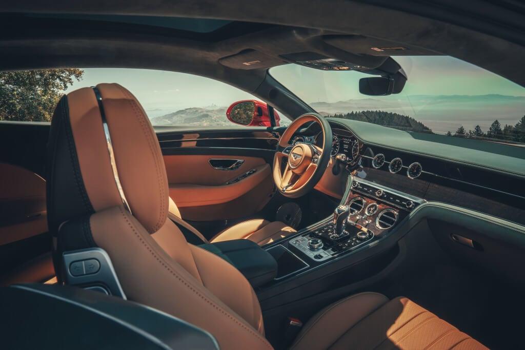 Bentley Continental GT V8: interior.