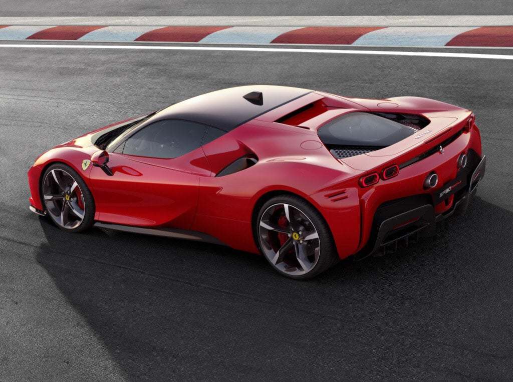 Ferrari SF90 Stradale: zaga.