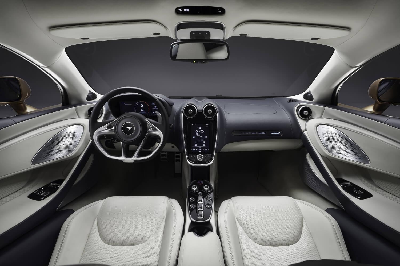 McLaren GT: interior