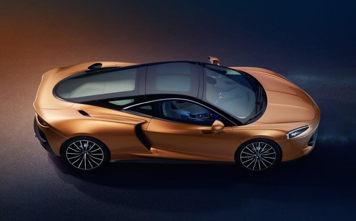 McLaren GT: lateral