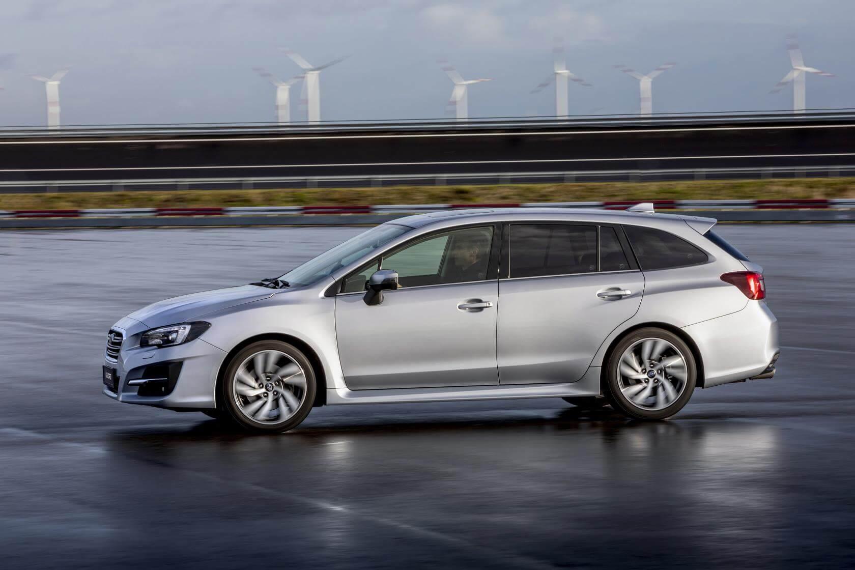 Subaru Levorg 2019: lateral