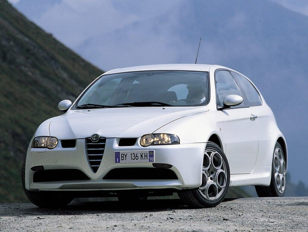 Alfa Romeo 147 GTA, compacto, italiano y desmedido