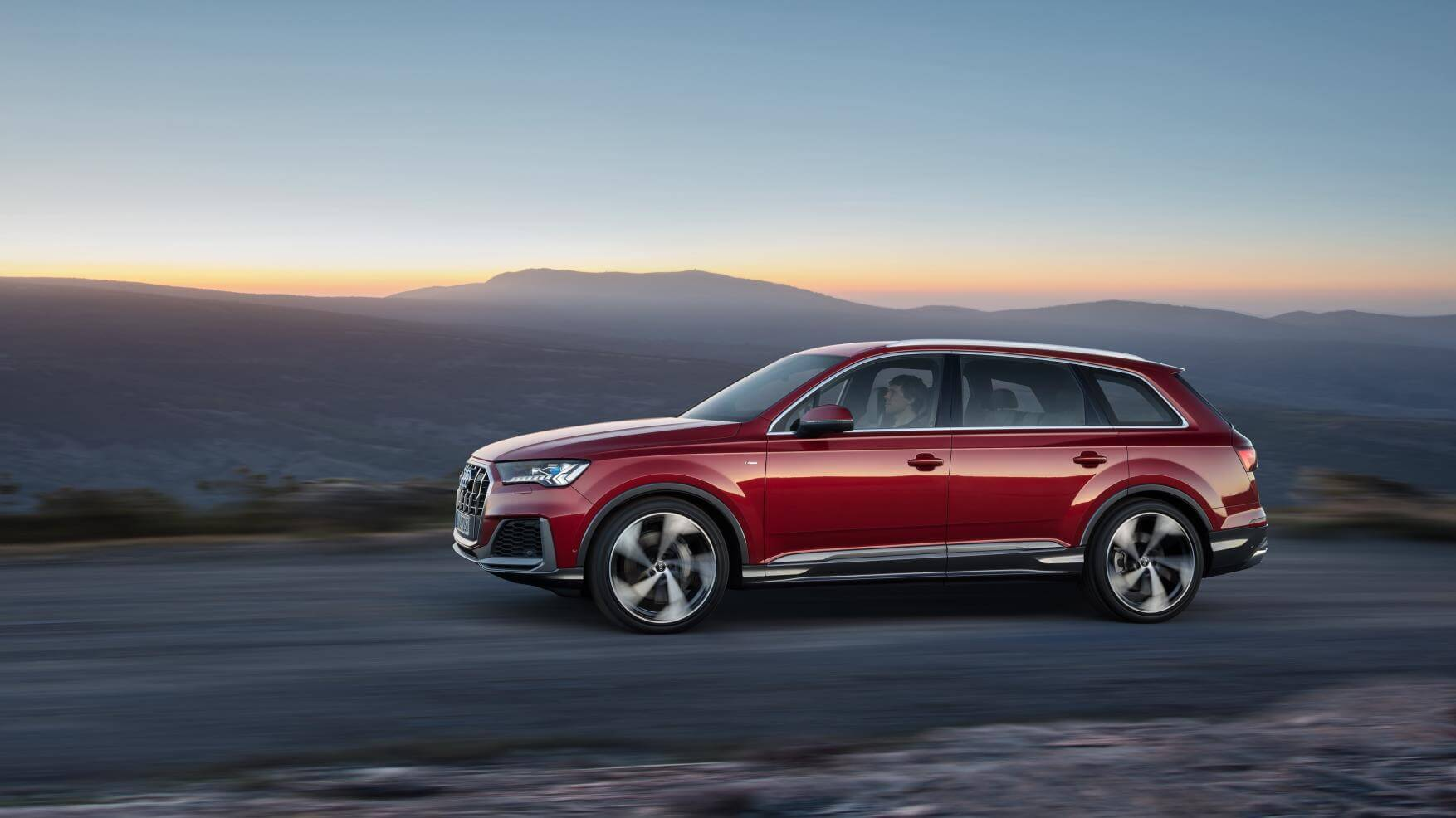 Audi Q7 2019: lateral