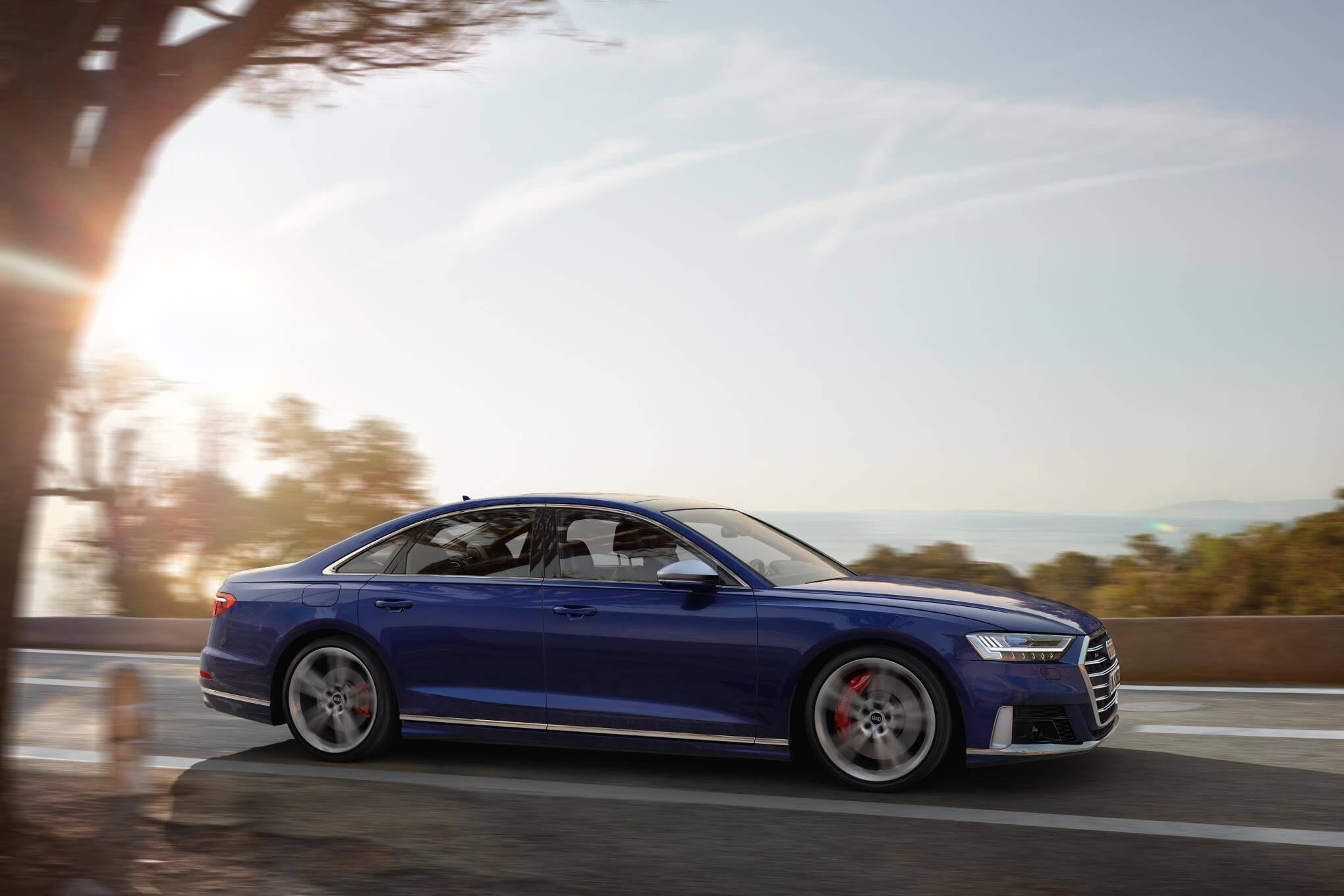 Audi S8 2020: perfil.