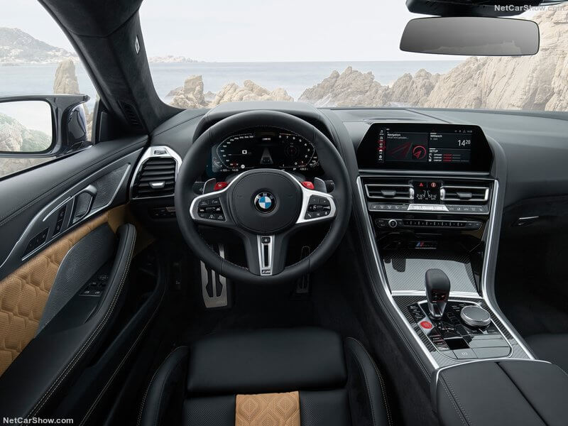 BMW M8 Competition, diseño interior.