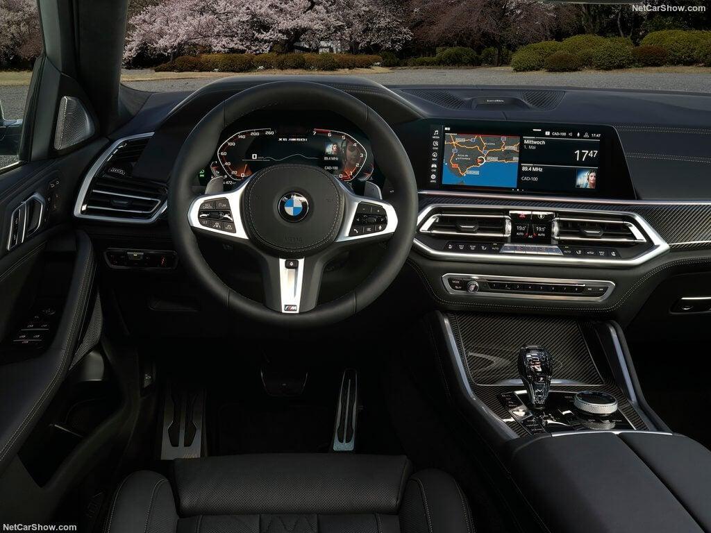 Interior del BMW X6 2019.