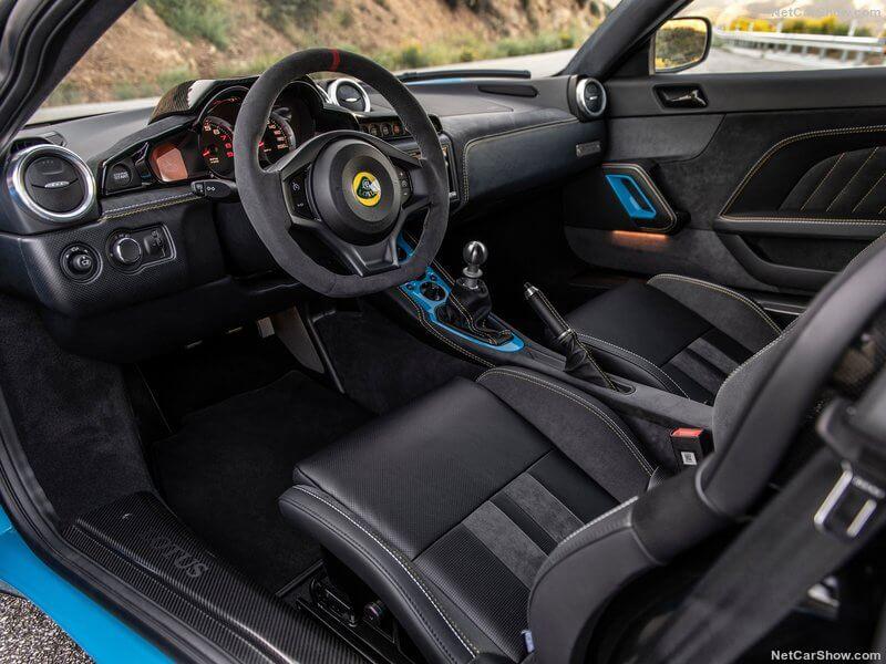 Interior del Lotus Evora GT 2020.