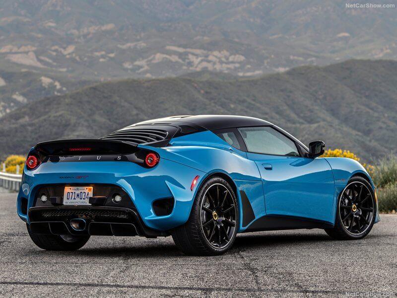 Trasera del Lotus Evora GT 2020.