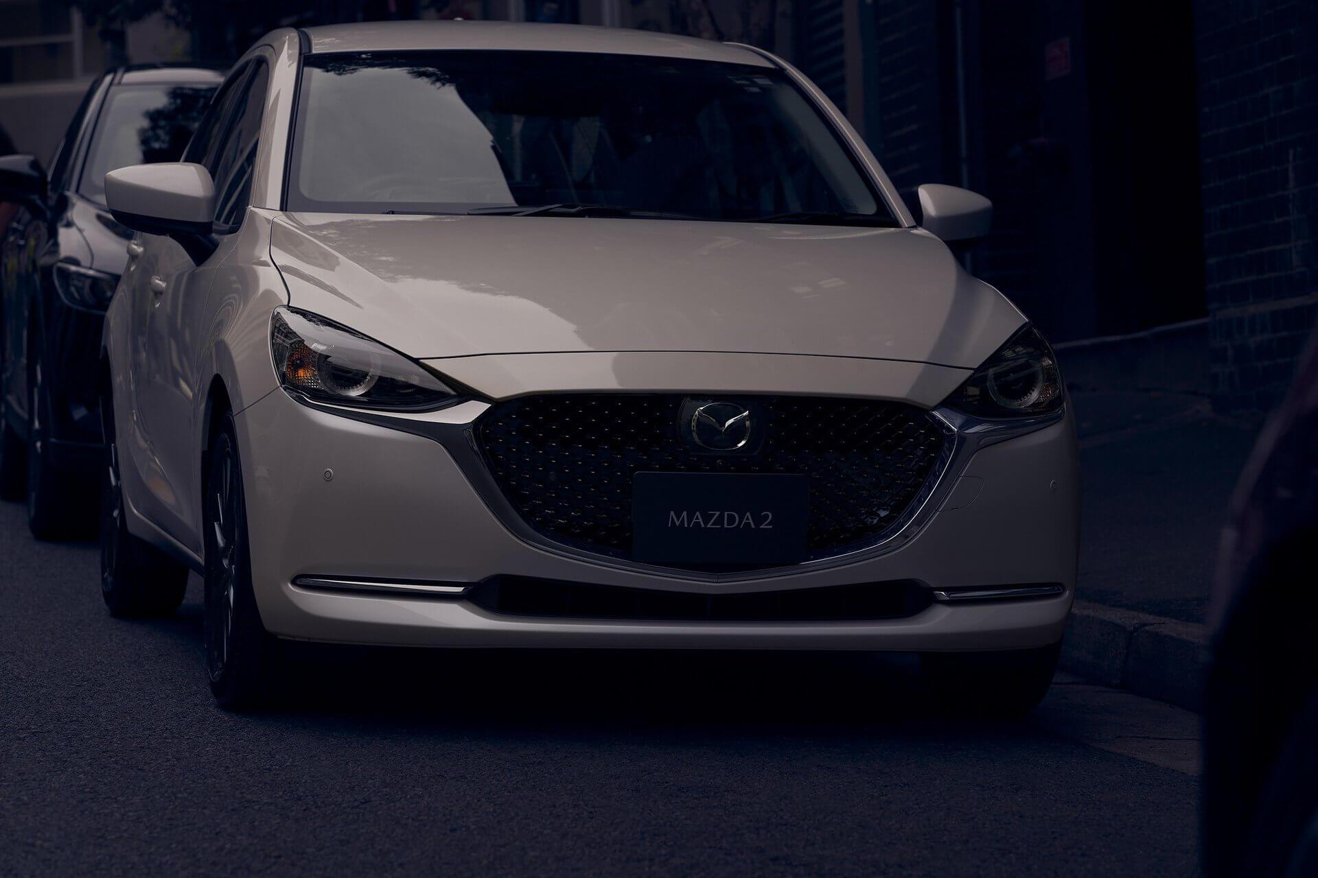 Mazda 2 2020: frontal.