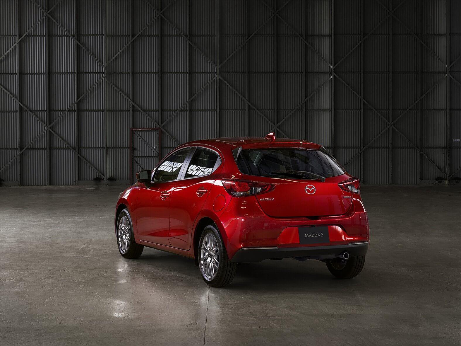 Mazda 2 2020: zaga.