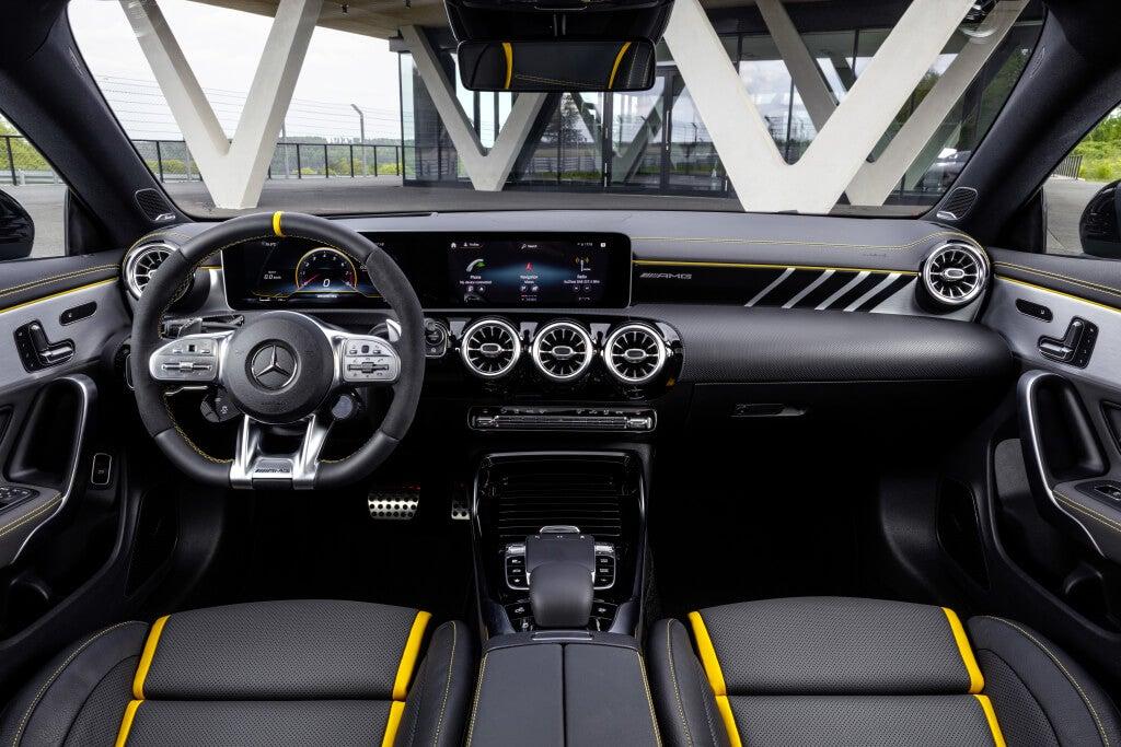 Mercedes-AMG CLA 45 S: interior.