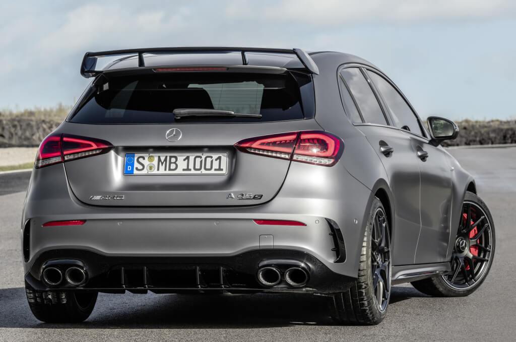 Mercedes-AMG A 45 S: zaga.