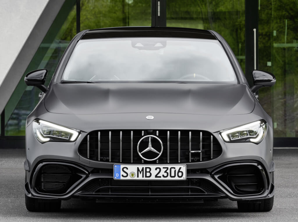 Mercedes CLA 45 4MATIC+ Shooting Brake, frontal.