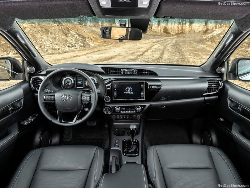 Toyota Hilux Special Edition, interior.