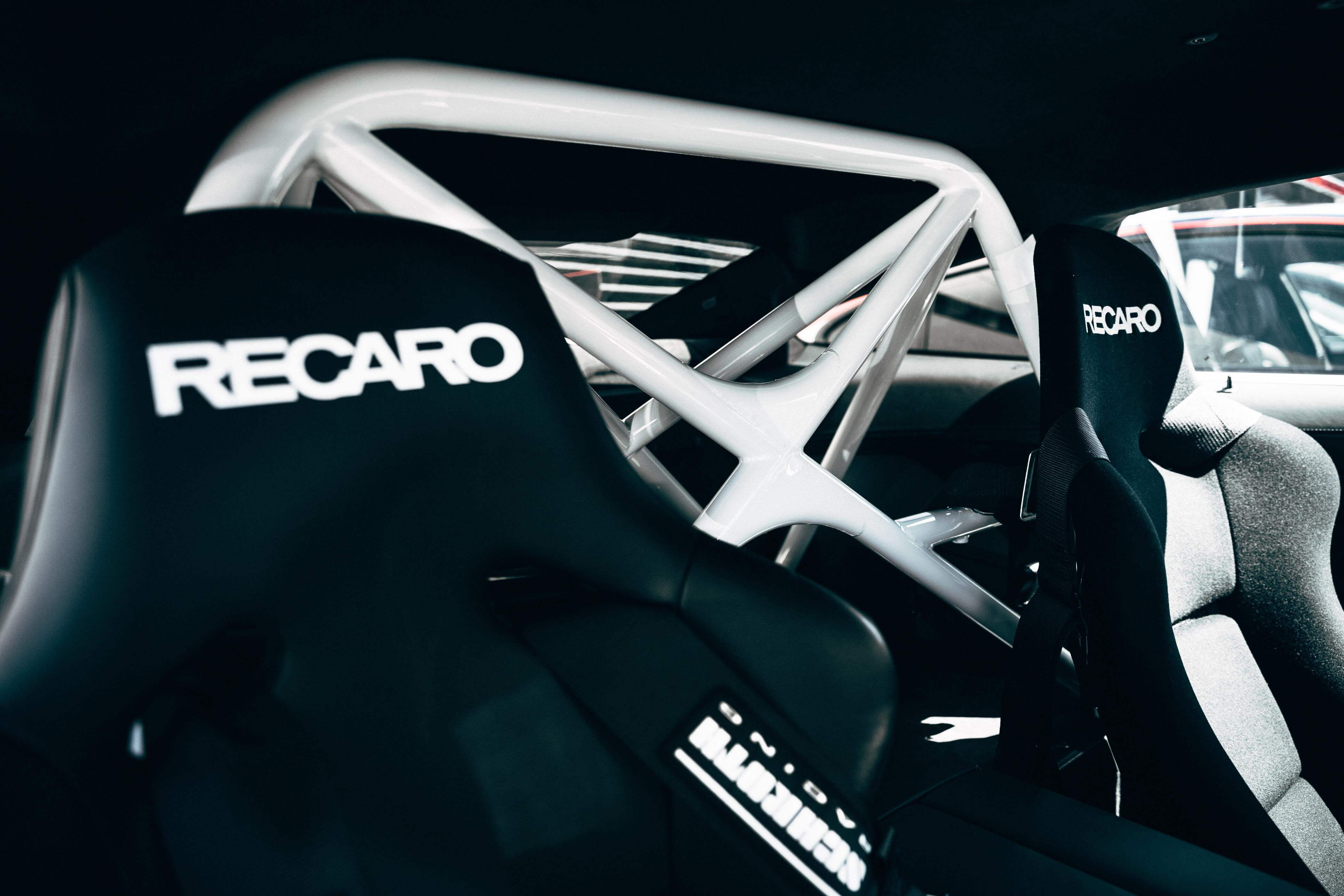 Asientos Recaro y barras antivuelco del BMW M8 MotoGP Safety Car