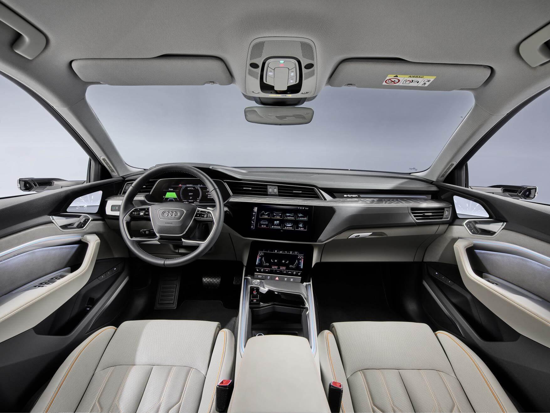 Interior del Audi e-tron 50 quattro.