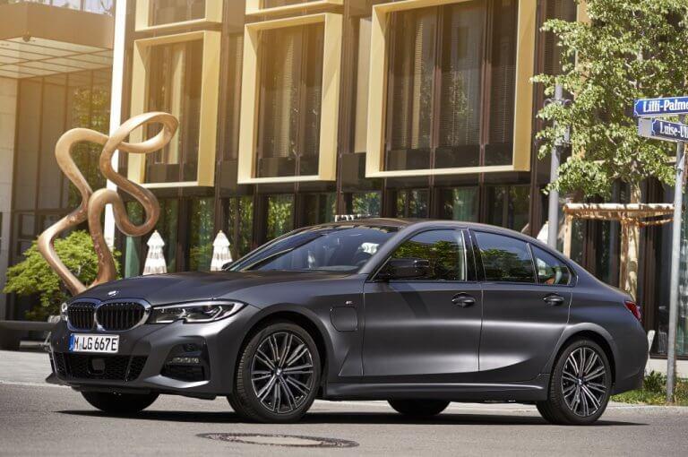 BMW 330e, deportividad ecológica