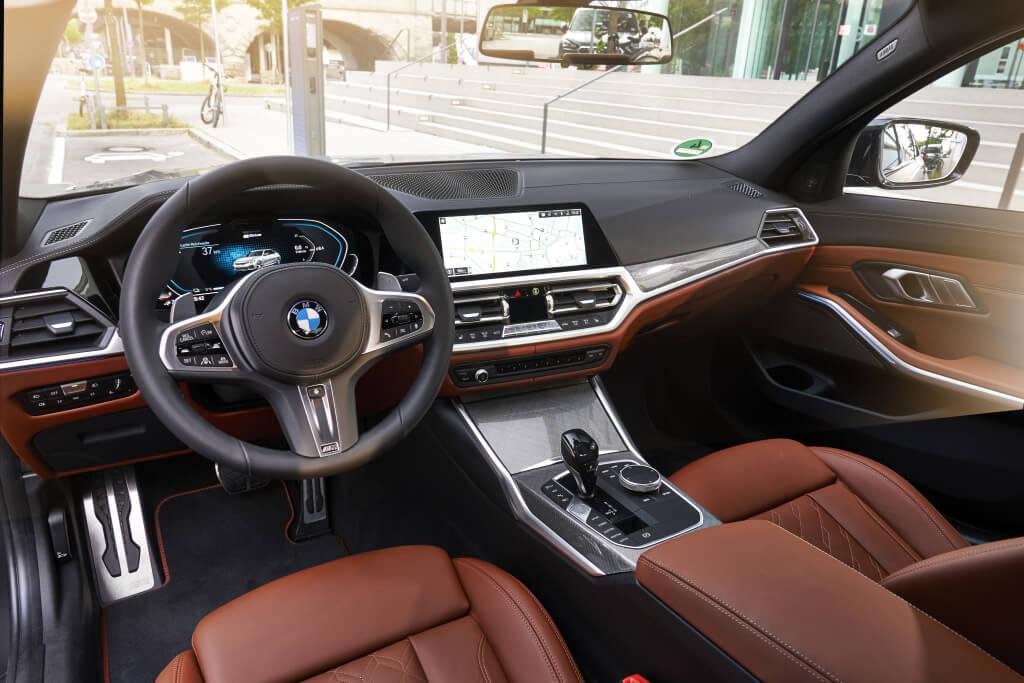 BMW 330e, interior.