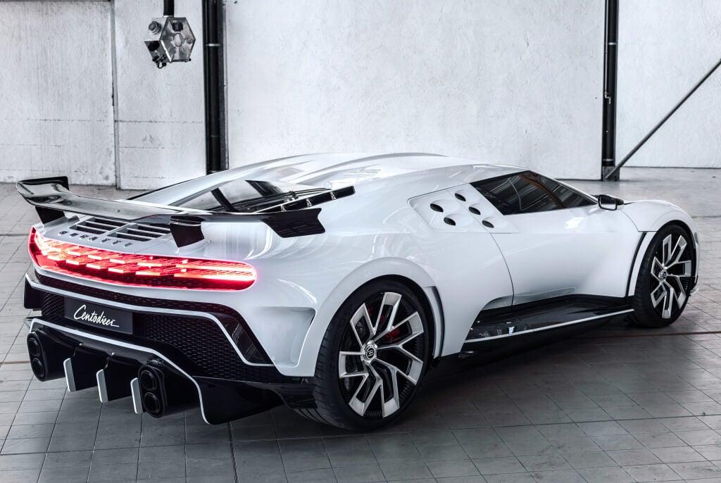 Trasera del Bugatti Centodieci.