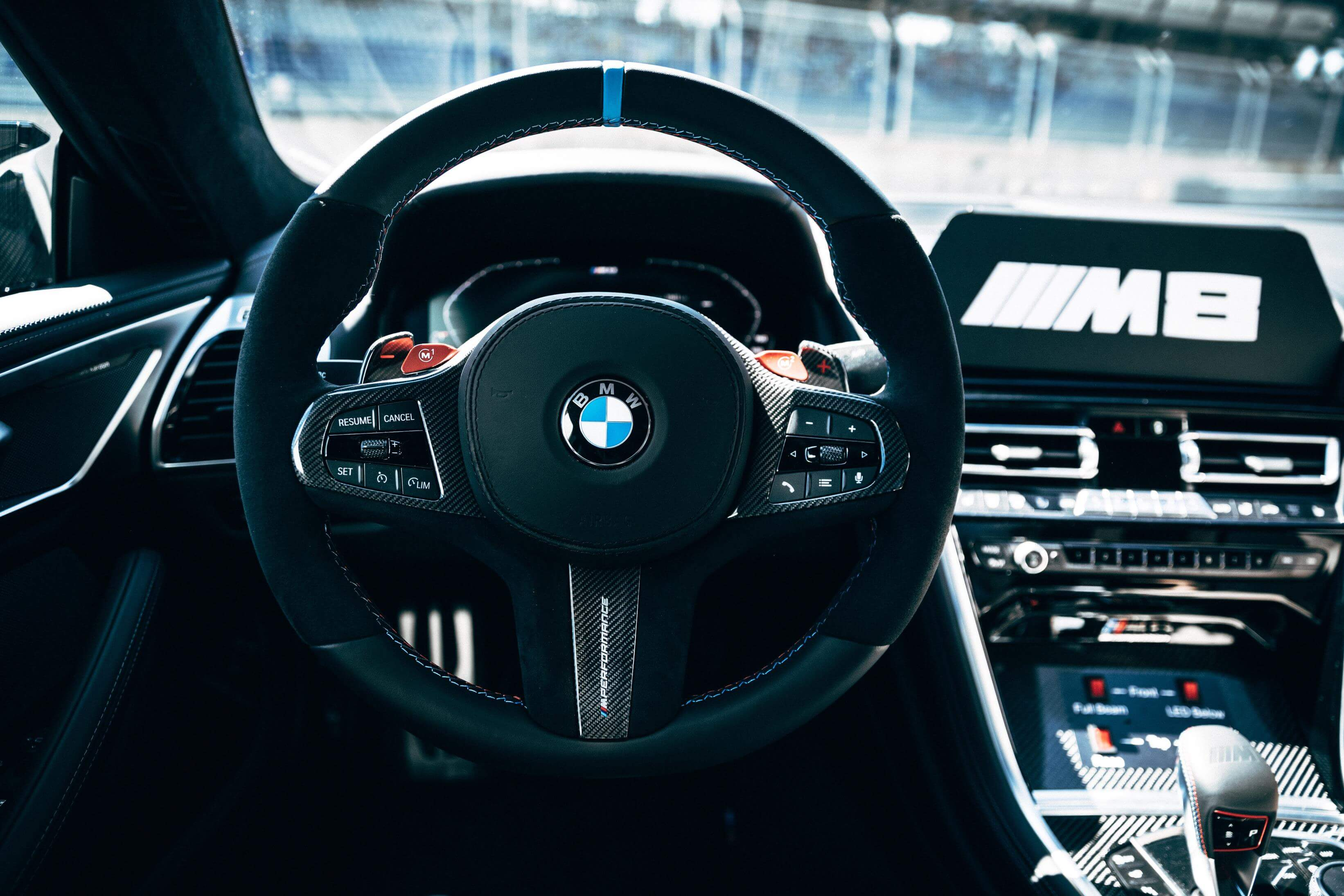 Interior del BMW M8 MotoGP Safety Car