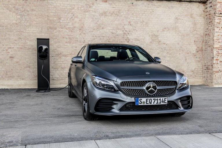 Mercedes Clase C 300 e, híbrido enchufable de altas prestaciones