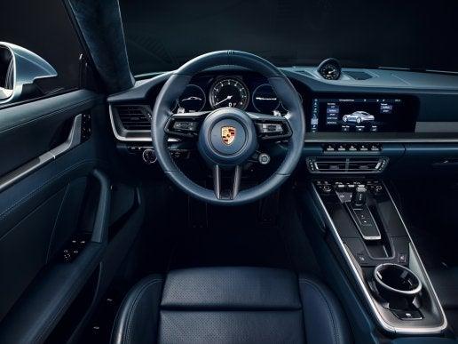 Interior del Porsche 911 Carrera.