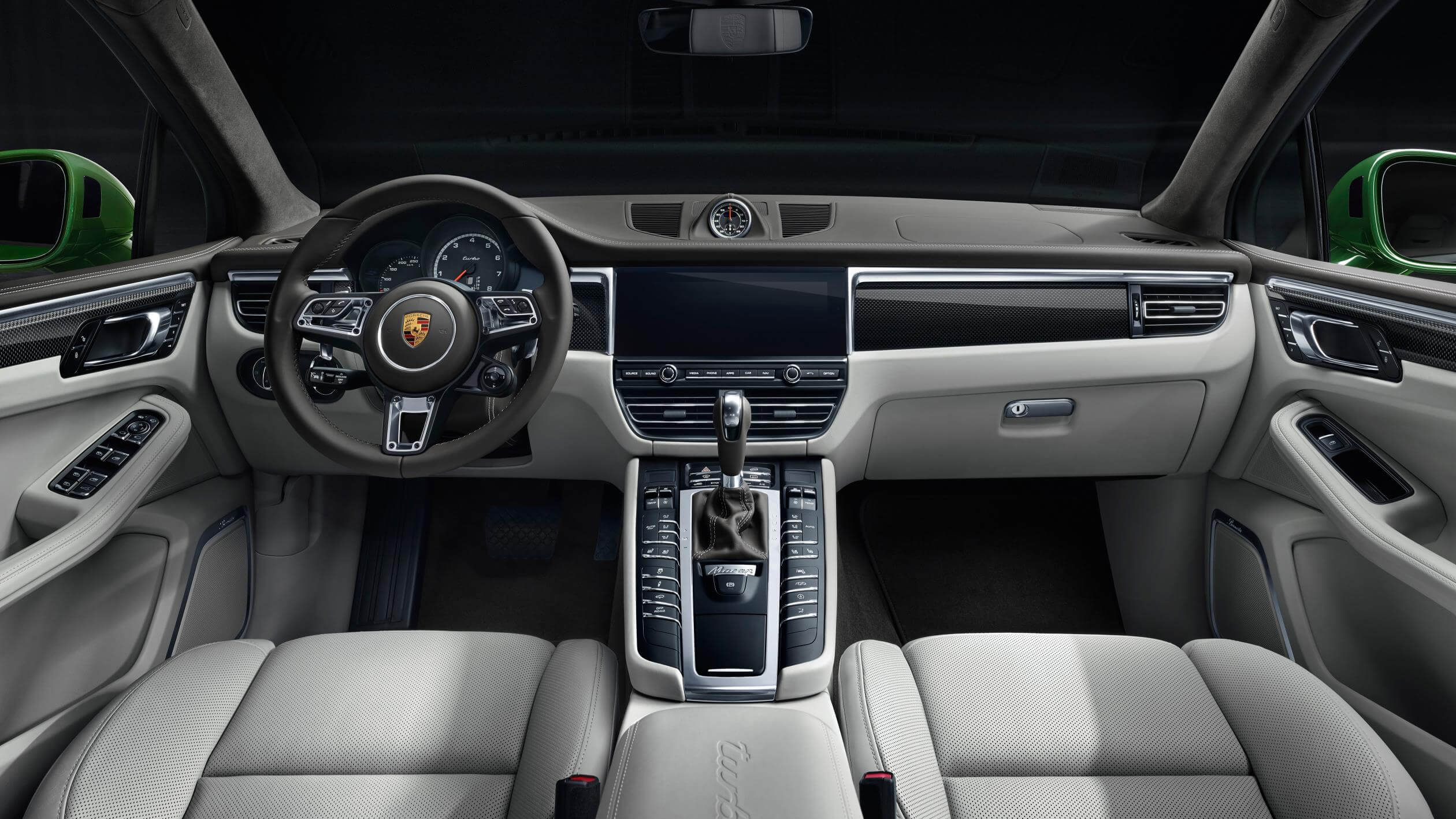 Interior Porsche Macan Turbo 2019