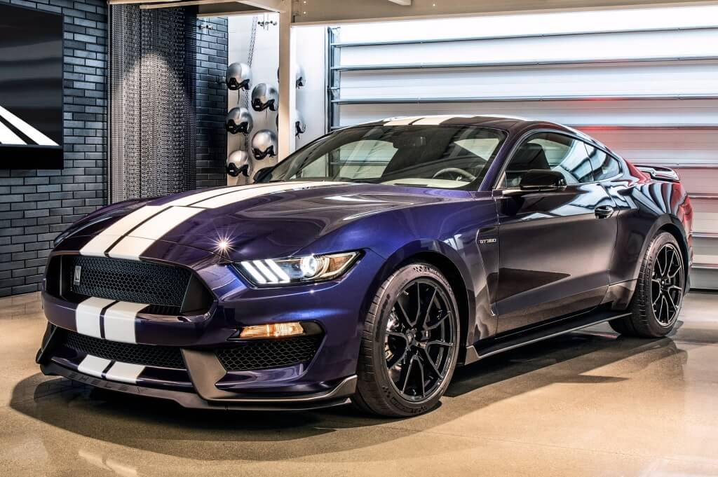 Shelby Mustang GT350: frontal.