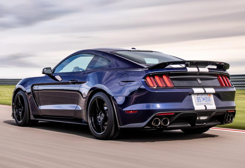 Shelby Mustang GT350: zaga.
