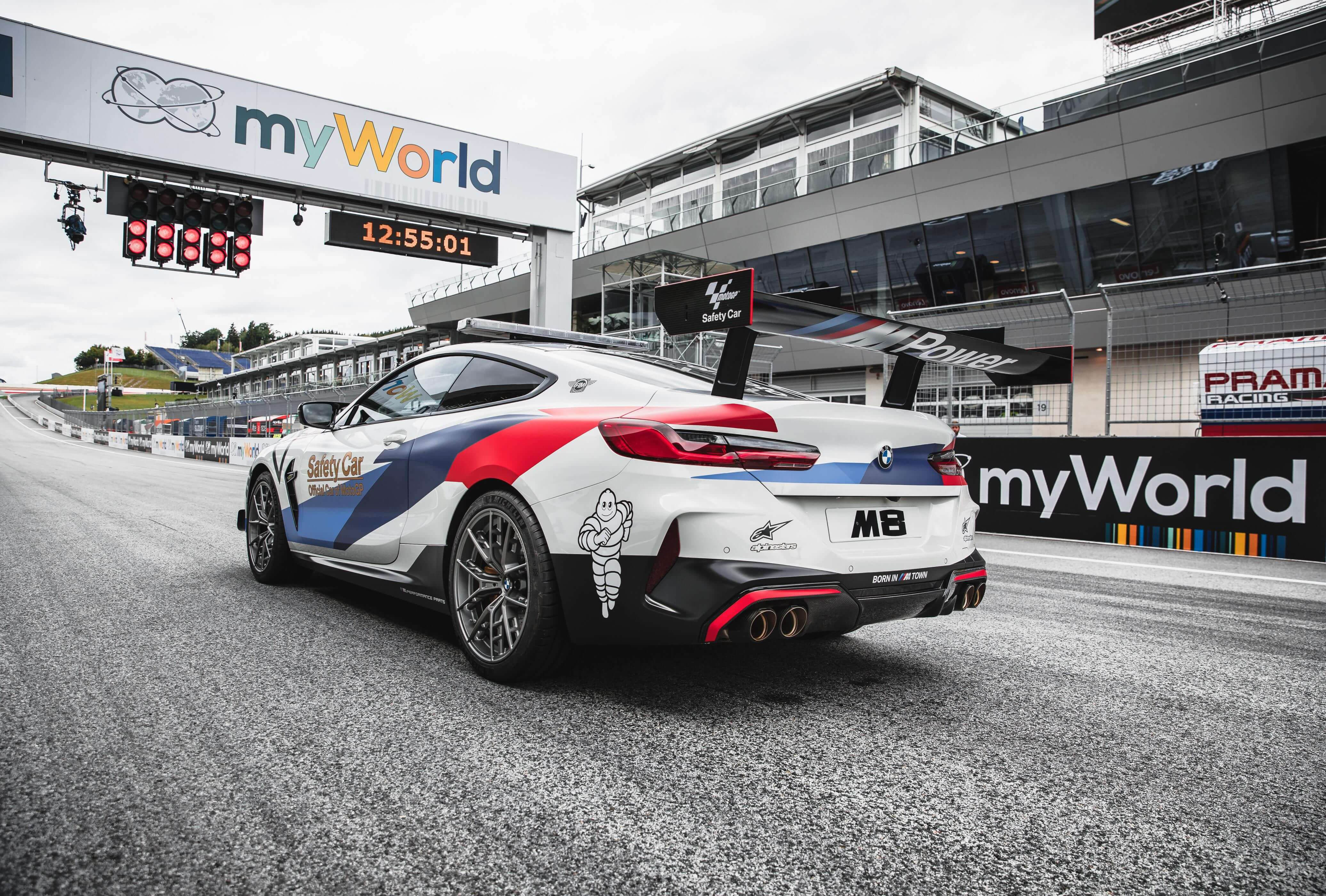 Trasera del BMW M8 MotoGP Safety Car