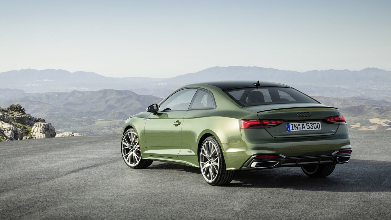 Audi A5 2020, trasera.