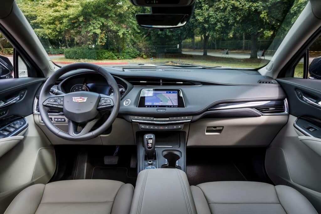 Cadillac XT4: interior.