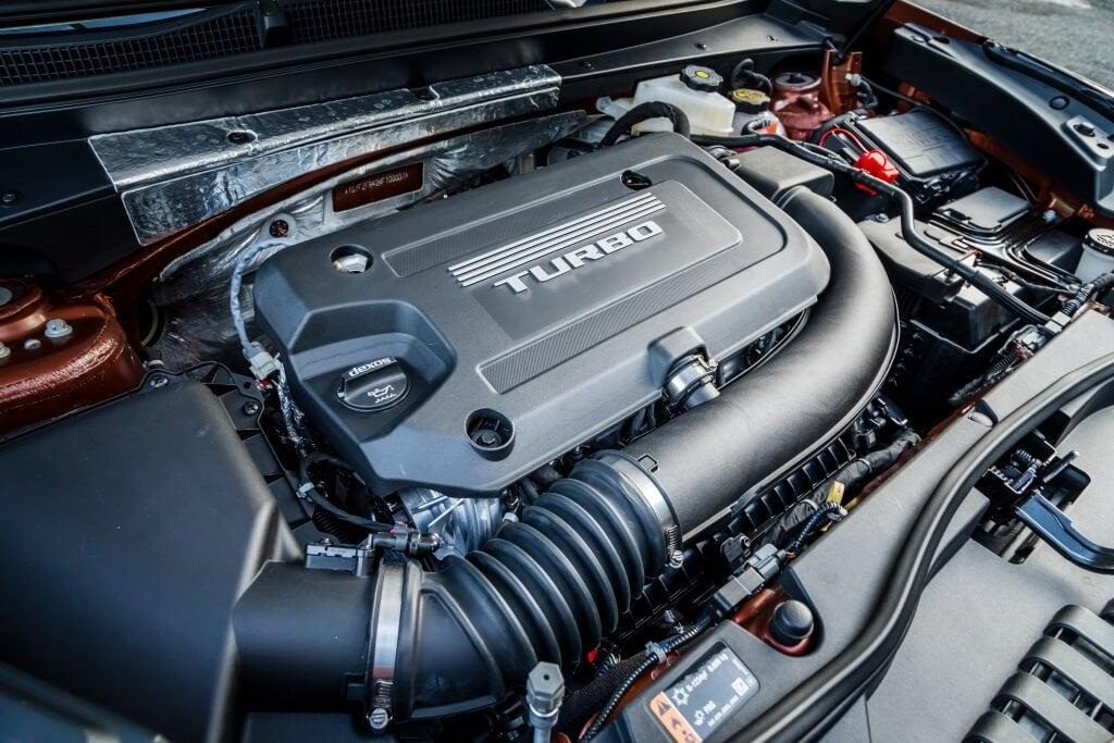 Cadillac XT4: motor.