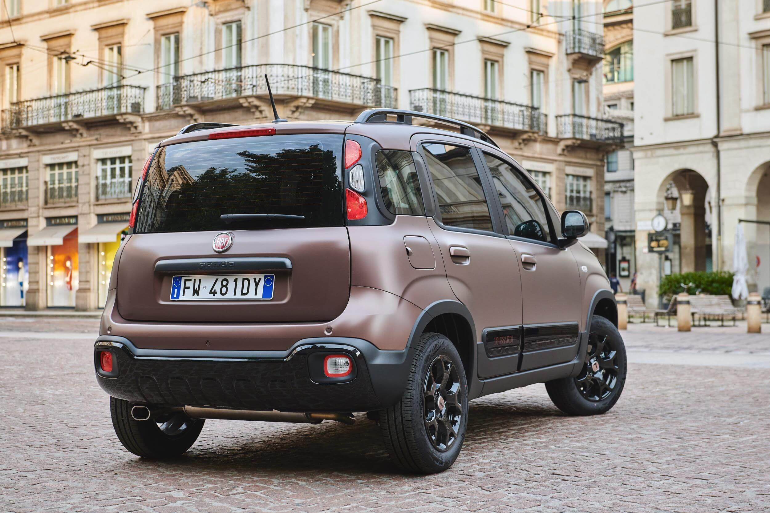 Trasera del Fiat Panda Trussardi