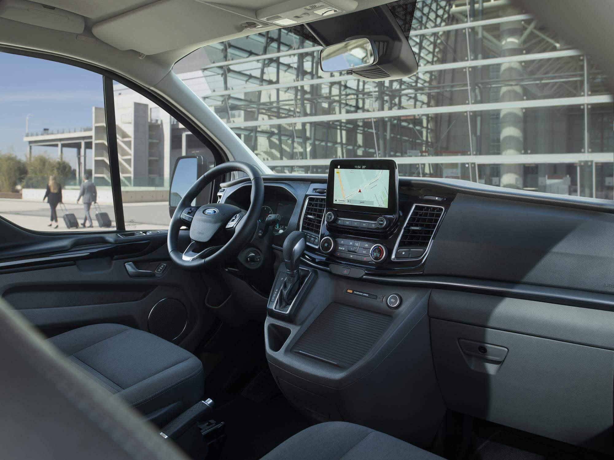 Interior del Ford Tourneo Custom PHEV