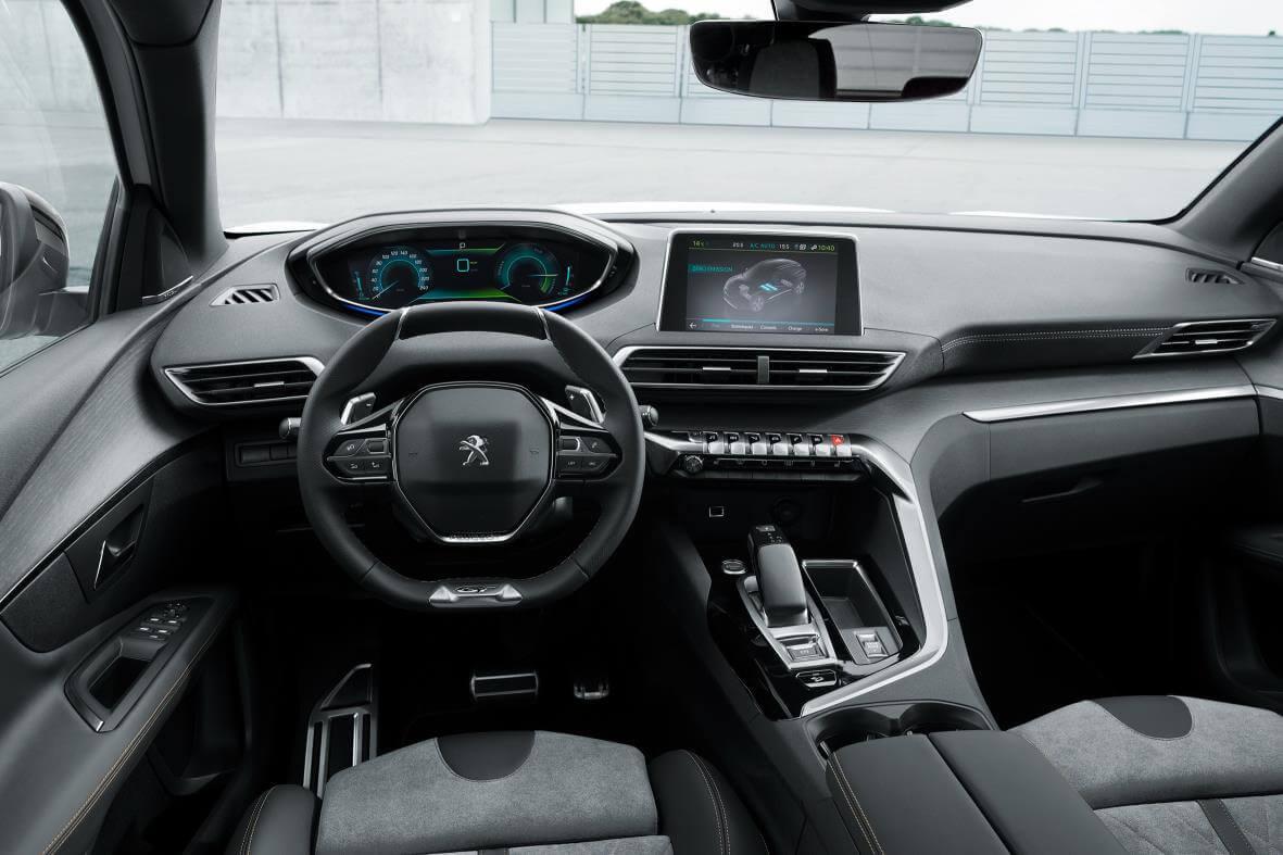 Interior del Peugeot 3008 GT Hybrid4
