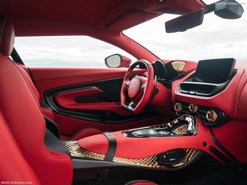 Interior del Aston Martin DBS GT Zagato.
