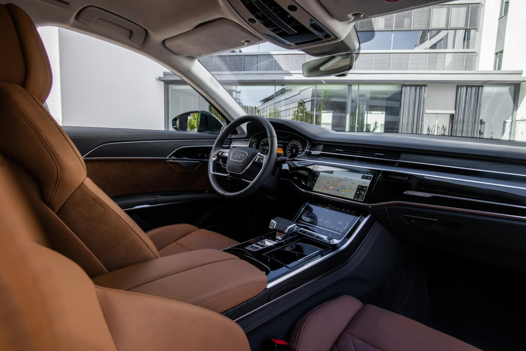 Audi A8L 60 TFSI e, interior.