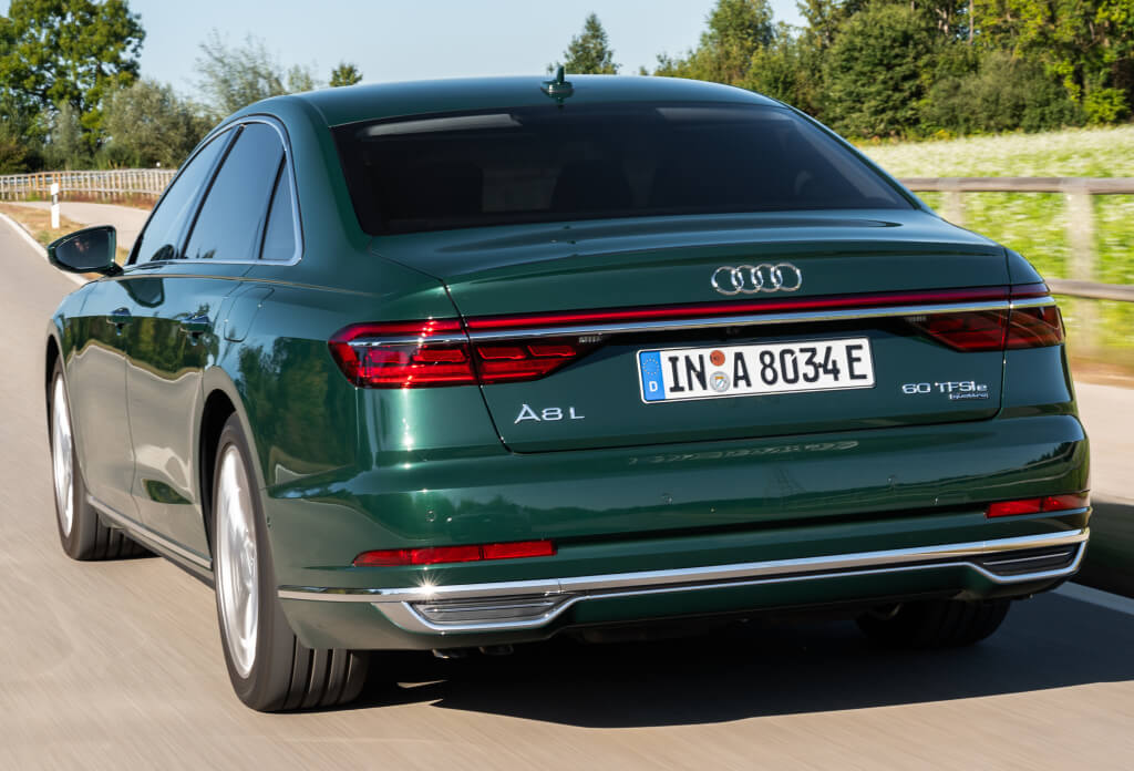 Audi A8L 60 TFSI e, parte trasera.