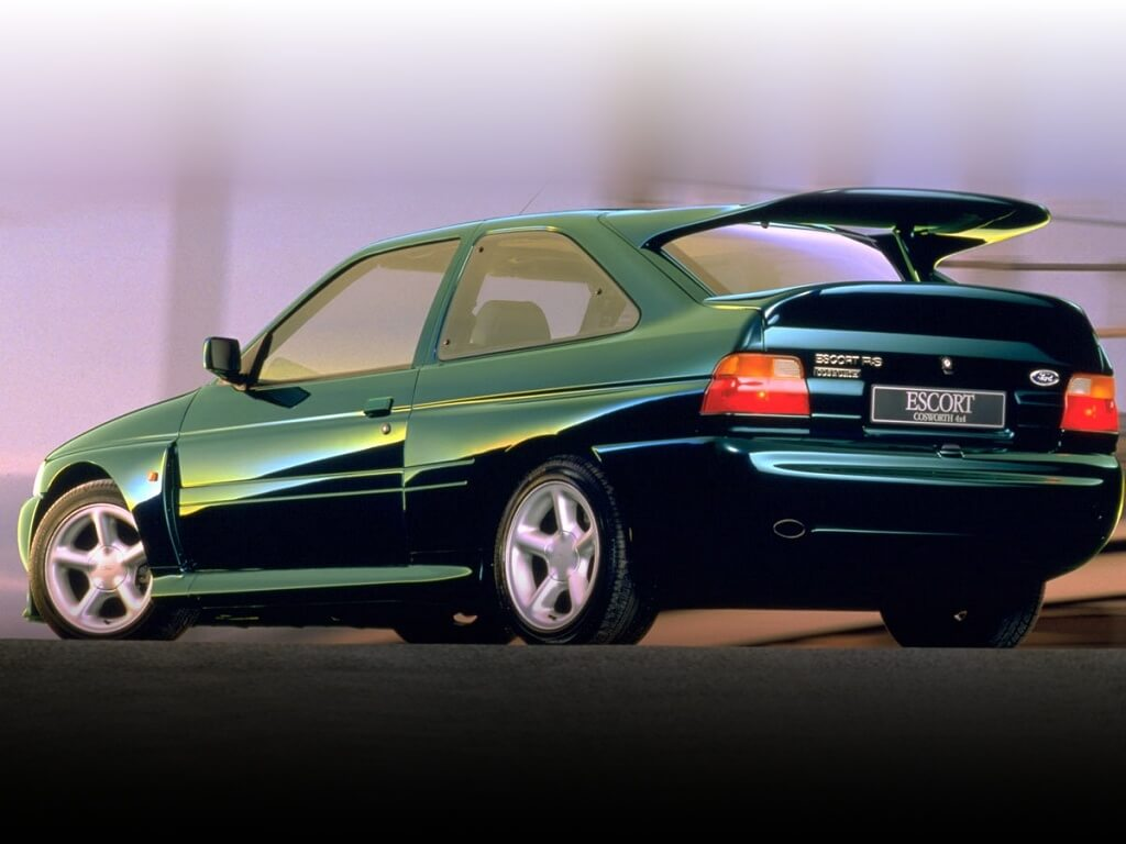 Ford Escort RS Cosworth: trasera.