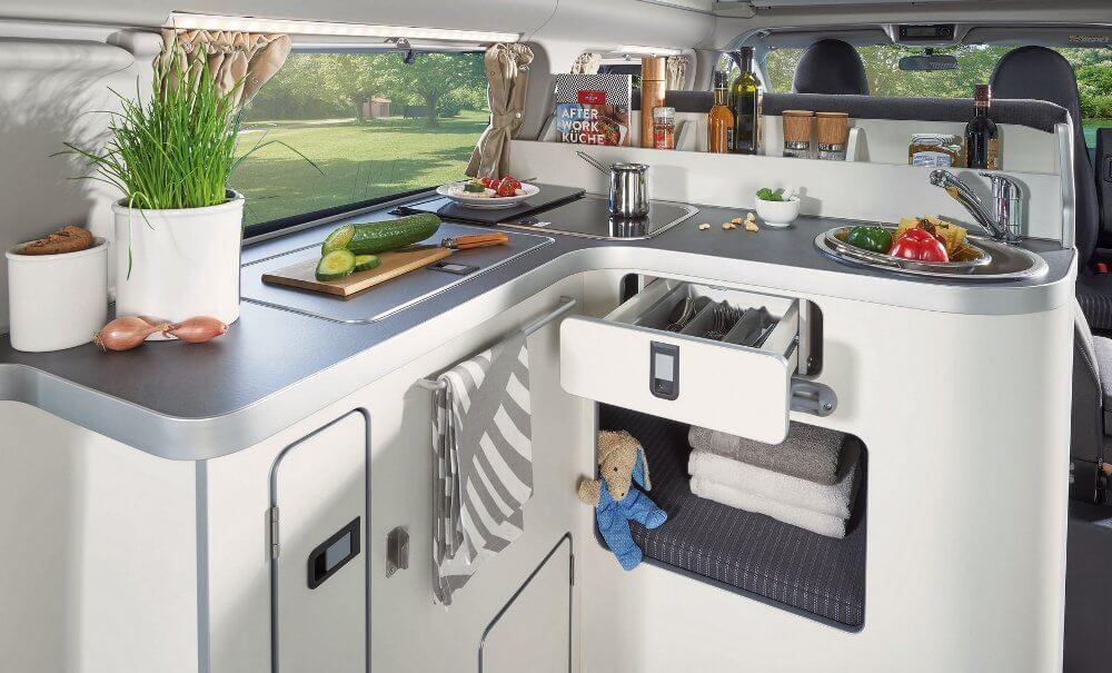 Ford Transit Custom Nugget 2020, cocina.