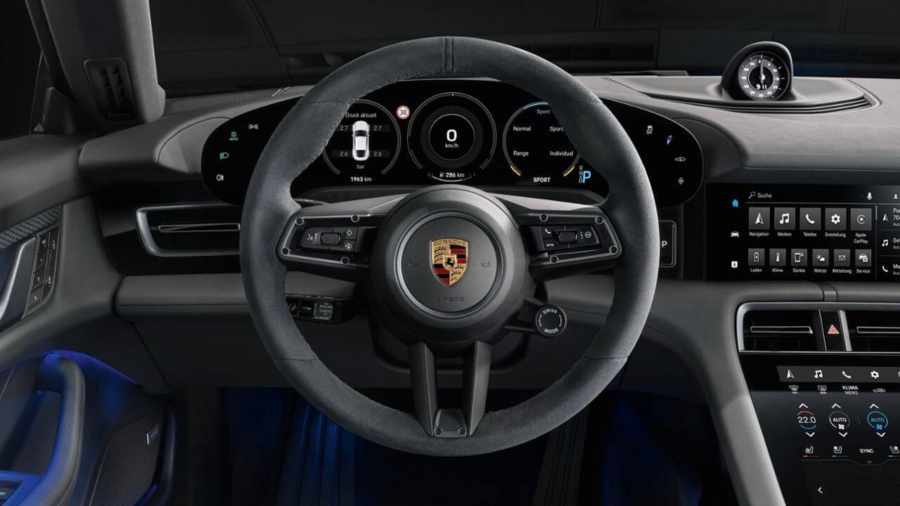 Interior del Porsche Taycan 4S