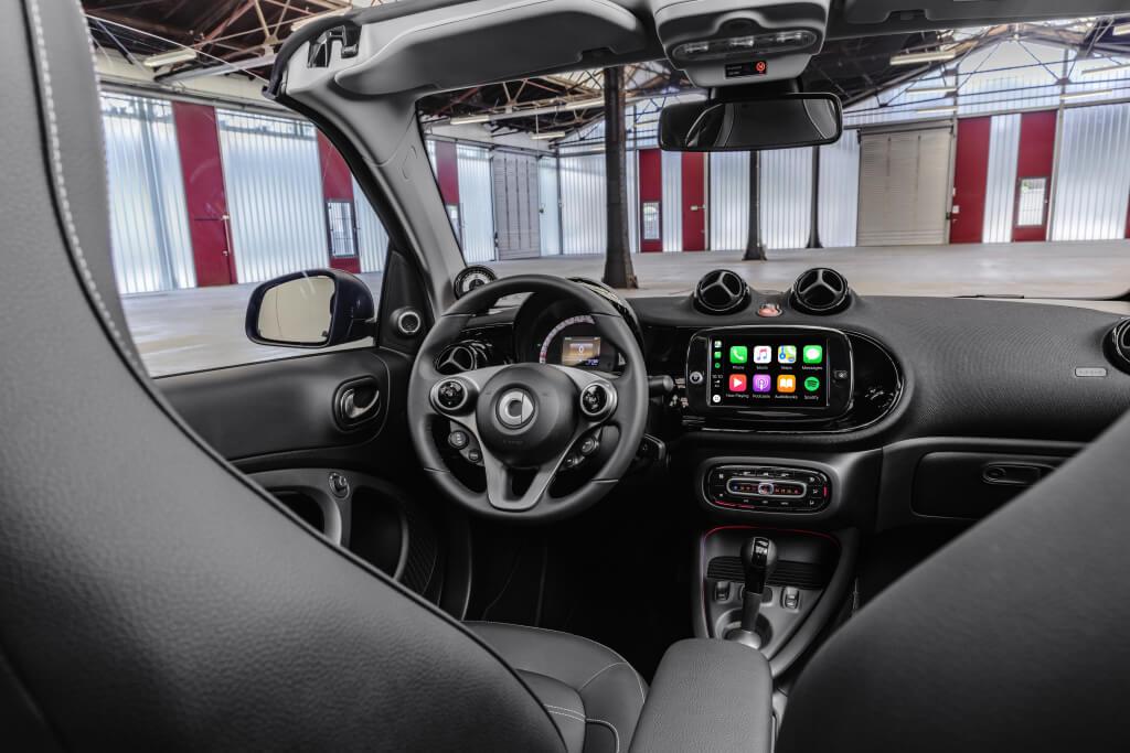 Smart EQ Fortwo Cabrio 2020: interior.