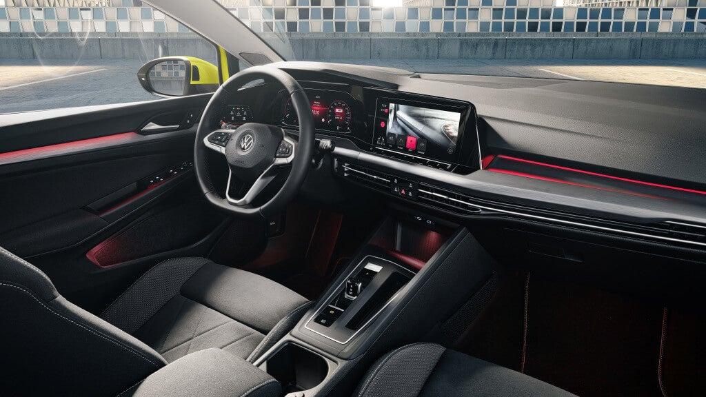 Volkswagen Golf VIII, salpicadero.