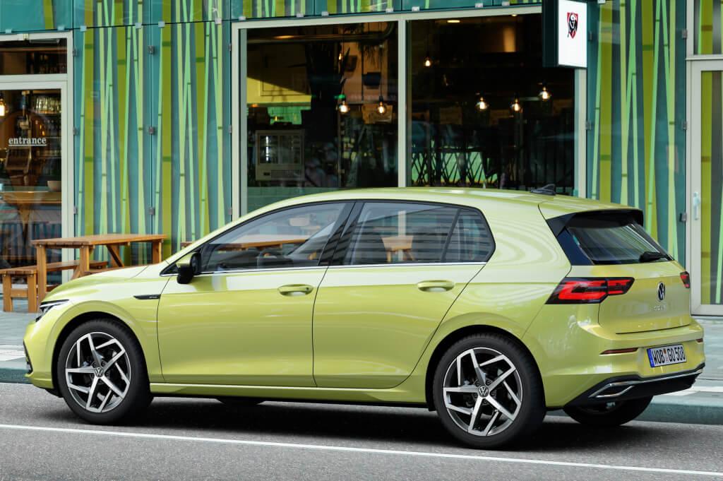 Trasera del Volkswagen Golf VIII.