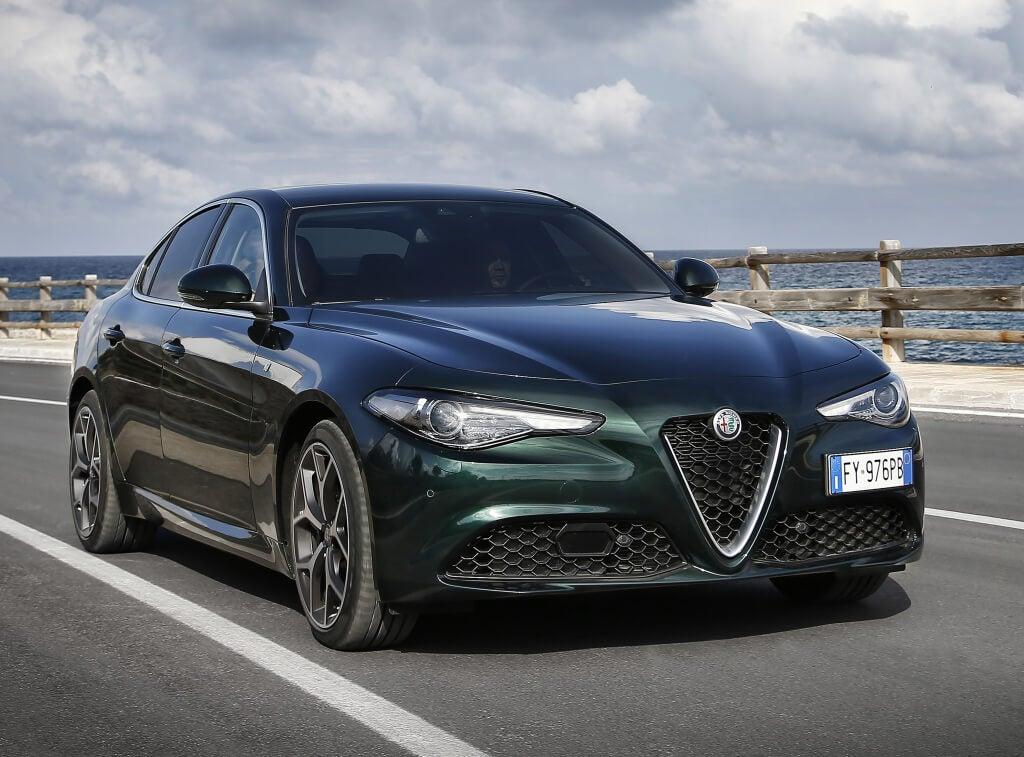 Alfa Romeo Giulia y Stelvio 2020, ligera puesta al día tecnológica