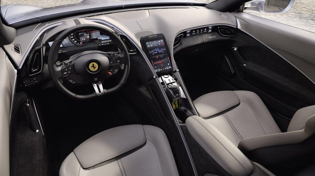 Ferrari Roma: interior.