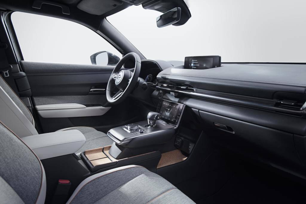 Mazda MX-30, interior.