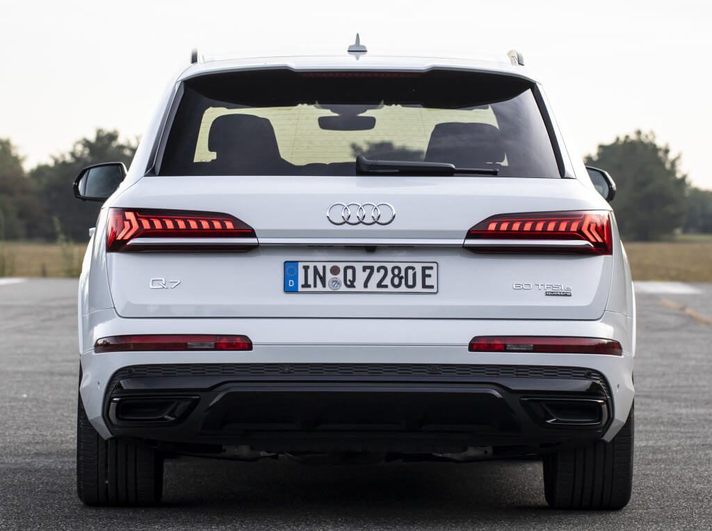 Audi Q7 TFSI e, parte trasera.